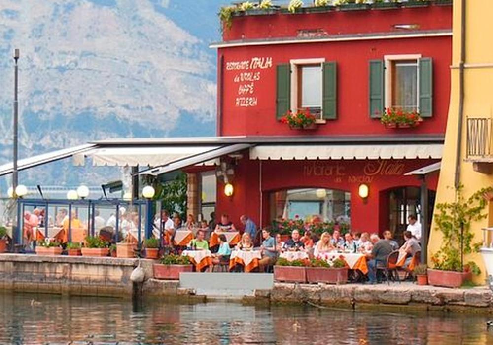 ¿Tienes un bar o restaurante? Conoce las ventajas de los cerramientos para hostelería